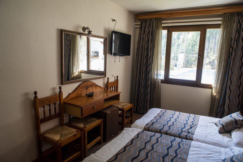 Victoria Hotel Μέτσοβο Πισίνα Βουνό Θέα
